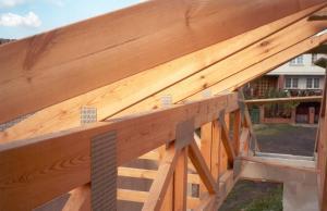 Konstrukcja-dachu-budynku-jednorodzinnego